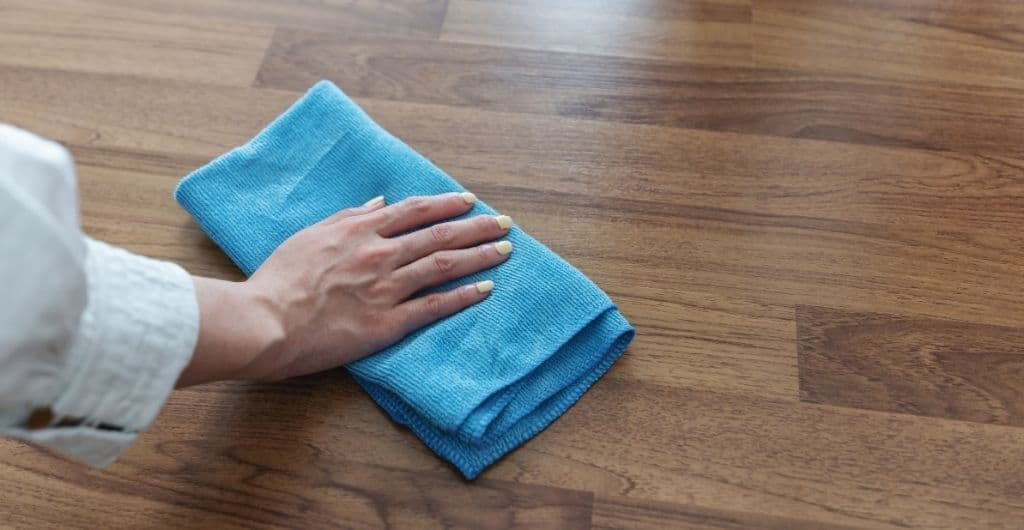 How to shine laminate floors